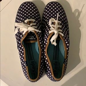 Size 9.5 navy and white polka dot keds